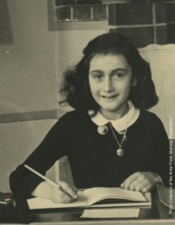 Anne Frank Photo with credit